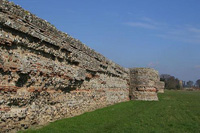 The Roman fort at Burgh Castle (NHER 10471)
