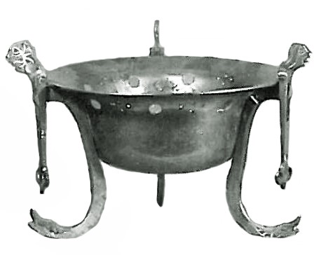 Photo of example of whole chafing dish from the Curtius Museum in Belgium