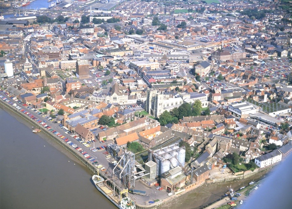 Arial view of King's Lynn taken by D. Edwards. Copyright Norfolk County Council.